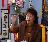 Jetsun Ma explains about the sacred, precious consecration ritual done to empower each of those 40 new Buddha statues.